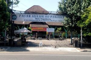 Pemkot Yogyakarta Buka Kembali Pasar Non Esensial