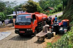 BPBD Temanggung Droping Air Bersih di Lima Dusun