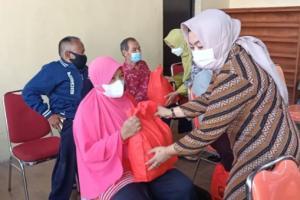 Ratusan Difabel di Kabupaten Semarang Terima Sembako