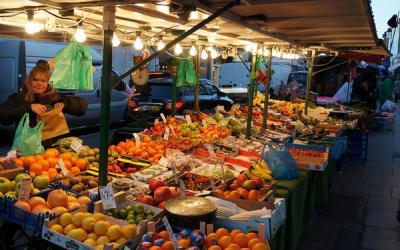 Putus Tengkulak, Jateng Bangun Pasar Lelang Daring