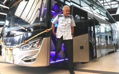 Ganjar Lepas Ekspor 10 Bus Tingkat Karoseri Ke Bangladesh