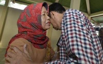 Sang Ibunda Berpulang,  Presiden Jokowi Telah Tiba di Solo