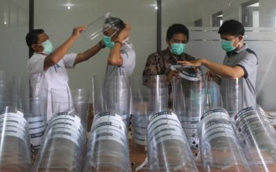 UMK Berhasil Ciptakan Alat Pelindung Wajah Untuk Tenaga Medis