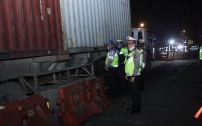 Polisi Paksa Ribuan Kendaraan di Tol Jakarta-Cikampek Putar Balik