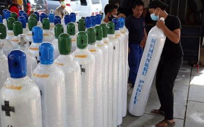 Kemenkeu Peduli Salurkan 100 Tabung Oksigen